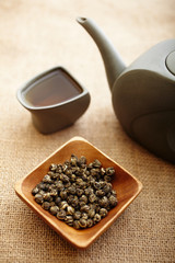 Jasmine green tea pearls with tea pot