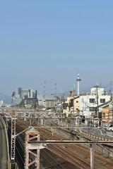 Poster de jardin Paris 線路と京都タワー(東からの眺め)