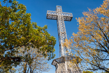 Montreal Mont-Royal Cross with fall foliage colours (2017)
