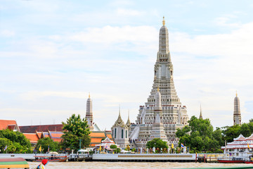 Wat Arun, locally known as Wat Chaeng, is situated on the west (Thonburi) bank of the Chao Phraya River. It is easily one of the most stunning temples in Bangkok