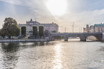 Riksdaghuset i Stockholm sett från Strömgatan
