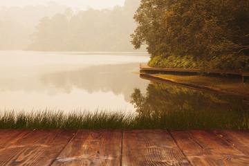 Fotoväggar - Table on park lake background
