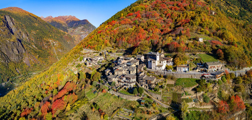 Roncaiola - Tirano - Valtellina (IT) - Vista aerea autunnale