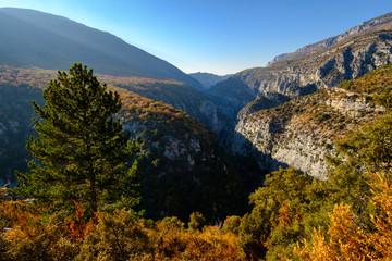 Vue sur le Gorges du Verdon en automne. Provence, France.