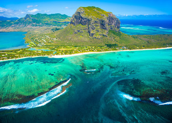 Fotobehang Luchtfoto Aerial view of Mauritius island