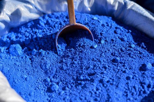 Powdered blue pigment