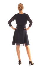 Junge Frau im Kleid Rückenansicht freigestellt