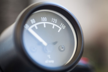 Car oil temperature gauge