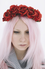 girl with flowers in pink hair