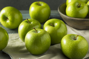 Raw Green Organic Granny Smith Apples