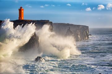Autocollant pour porte Eau Storm waves at the west coast of Iceland