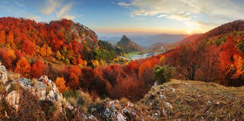 Obraz Autumn panorama landscape at sunset in Slovakia, Vrsatec - fototapety do salonu