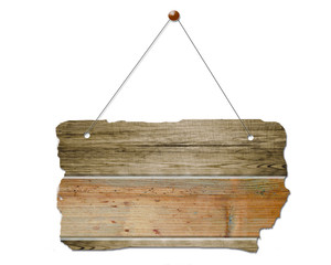 altes braunes Holzschild hängt an einer Metall Kette Holzbrett