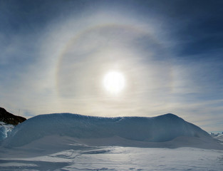 Clear day, blue sky-effect Halo in the sky. Antarctic.