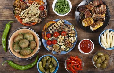 Fotobehang Klaar gerecht Vegetarian barbecue snacks.