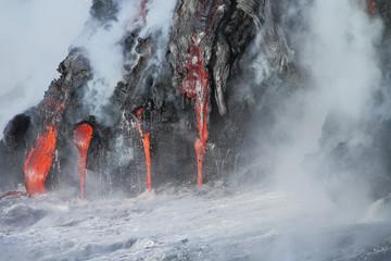 Deurstickers Vulkaan Lava flows from the Kilauea volcano