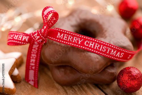 Süße Weihnachtsgrüße.Süße Weihnachtsgrüße Mit Lebkuchensternen Stockfotos Und