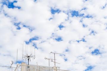 屋上のアンテナ群