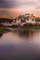 Salzburger Altstadt und Salzach am Abend, Abendrot