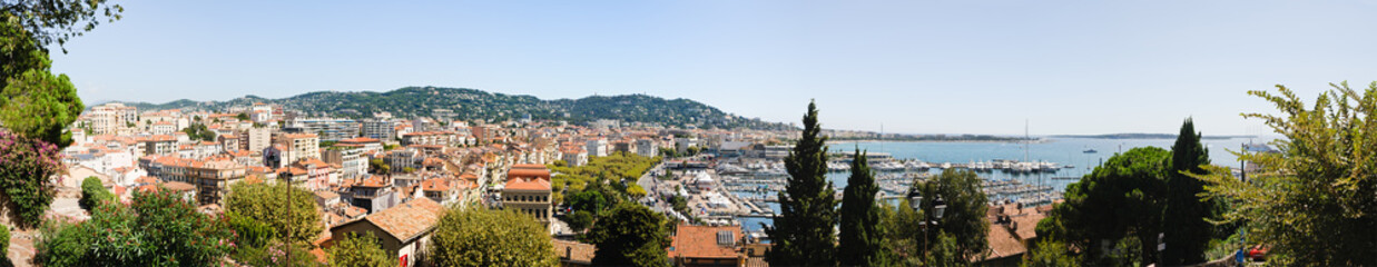 Wide panoramic image overlooking Cannes