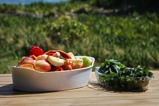 Healthy raw food organic fruits and vegetables