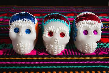 calaveritas de azucar, ofrendas y dia de muertos, sugar skull mexico
