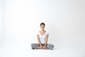 ヨガ あぐら 瞑想 meditation smile