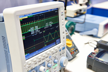 Digital oscilloscope for mixed signals