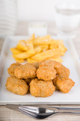 Nuggets mit Pommes Frites