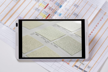 タブレットと建築イメージ