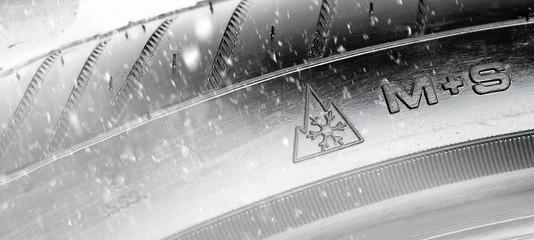 M+S-Reifen im Winter Pflicht.