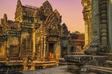 Temple Banteay Samre in the light of a sunset. Angkor - UNESCO World Heritage site. Cambodia, Siem Reap Fototapete