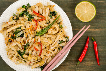 Thai Style Chicken Pad Thai With Noodles