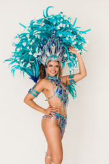 Foto auf AluDibond Karneval Gorgeous brazilian samba dancer portrait wearing blue traditional costume