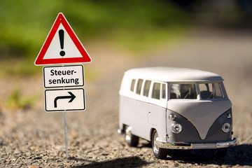 Fototapete - Schild 136 - Steuersenkung