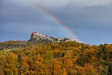 Herbstregenbogen über Riegersburg