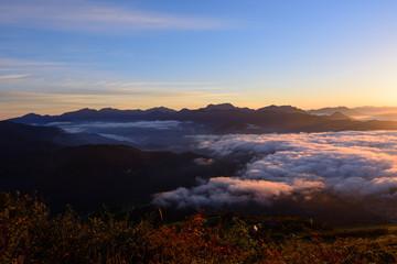 長野 戸隠連峰から上る朝日 北アルプス・八方尾根からの眺め