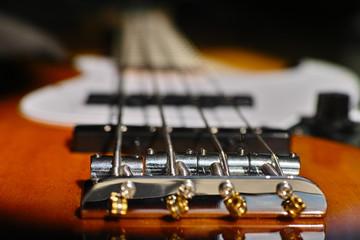 Bassgitarre, Detail mit selektiver Tiefenschärfe