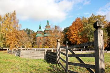 Природа и быт Украины - Национальный музей народной архитектуры и быта Украины «Пирогово», г.Киев.