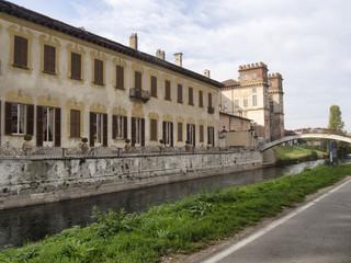Bikeway along the Naviglio Grande, Villa Gaia at Robecco