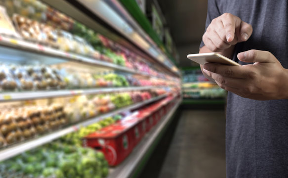 grocery shopping at upermarket mall grocery store vegetable  healthy food smart phone online supermarket