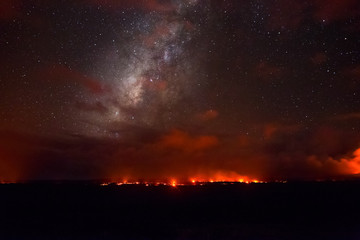 Time Lapse Lava volcano milky way stars night Hawaii Fotomurales