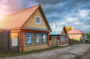 Дача с синими резными окнами house with blue carved windows