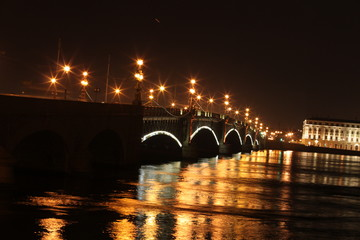 Огни ночного города Санкт-Петербурга