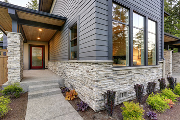 Luxurious home design with modern curb appeal in Bellevue.