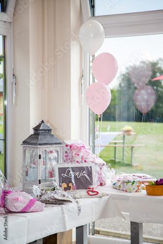 Geschenke Tisch Hochzeit Stockfotos Und Lizenzfreie Bilder Auf