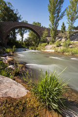Puente de la Fonseca sobre el río Mijares. Teruel. España