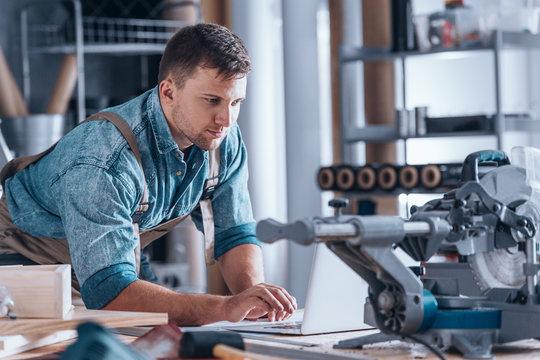 Creative furniture craftsman using technology