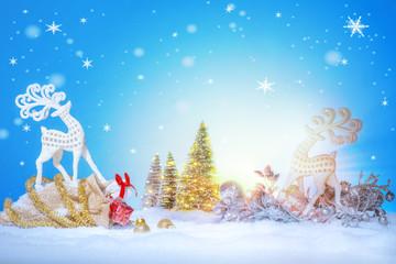 Photo sur Plexiglas Der Beginn eines neuen Tages mit Sonnenlicht, Rentieren und Weihnachtsgeschenken