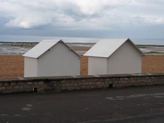 Cabanes de plage,  Lion sur Mer, Normandie